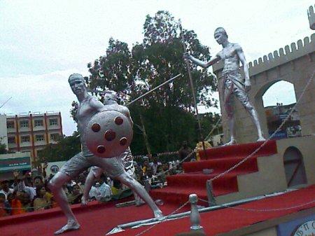 Iniyavai Narpadhu 28 - Semmozhi Manadu statue photo