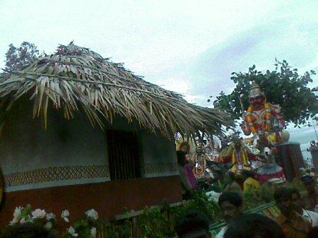 iniyavai Narpadhu 43 - semmozhi manadu procession house iyaanar statue